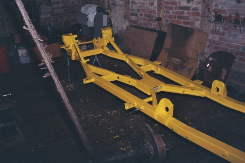 Vorbereitung des Rahmens zur Fahrwerksmontage