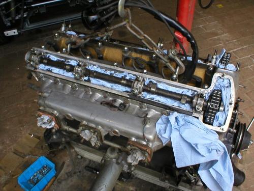 Der Motor war noch gut in Schuß – reinigen, Ventilspiel messen – fertig!